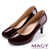 MAGY 氣質魅力款 嚴選素面牛皮氣質露趾高跟鞋-酒紅