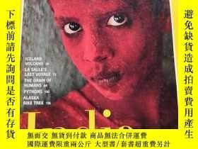 二手書博民逛書店罕見NATIONAL GEOGRAPHIC India Turning Fifty 1997 5(美國國家地理 印