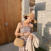 2018初夏 復古格子顯瘦度假泰國荷葉擺吊帶連身裙6092#ZL-7F-705-D朵維思