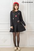 黑色洋裝--時尚氣質塗鴉線條印圖圓領剪接荷葉下襬長袖洋裝(黑L-3L)-A304眼圈熊中大尺碼