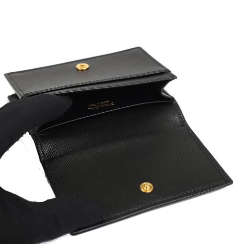PRADA  SAFFIANO Metal 浮雕金屬LOGO全皮革名片夾零錢包(黑色)