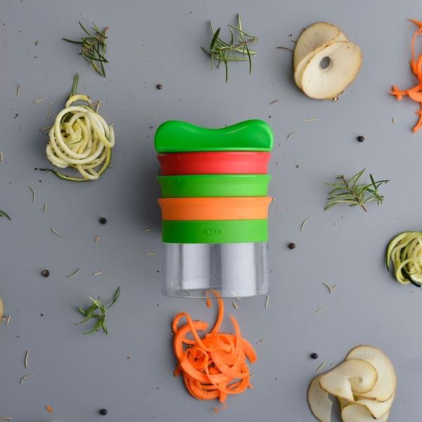 廚房用具 蔬菜麵 刨絲 刨片【DY077】OXO 華麗三刀蔬果削鉛筆機 完美主義