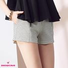 【SHOWCASE】俏麗條紋雙拉鍊造型短褲(白)