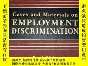 二手書博民逛書店Cases罕見and materials on employme