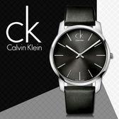 CK手錶專賣店 K2G21107黑K2G23107黑 男錶 中性錶 極簡弧形切面 石英 黑面 礦物抗磨玻璃 皮革錶帶