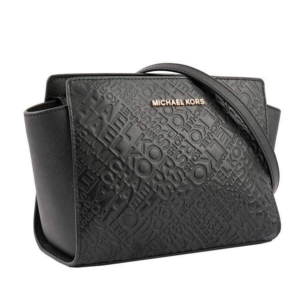 【MICHAEL KORS】防刮皮革selma滿版浮雕LOGO斜背包(黑色) 35T9GLMM2L BLACK