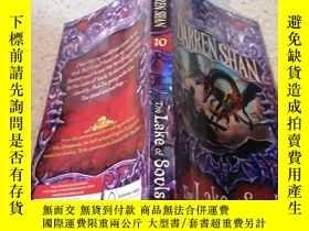 二手書博民逛書店The罕見Lake of Souls (The Saga of Darren Shan) 靈魂之湖Y20039