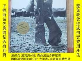 二手書博民逛書店THE罕見ENGLISHMAN S BOY(32開)見圖Y138