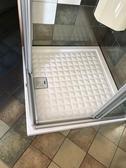 【麗室衛浴】  義大利AXA原裝  時尚 高質感格紋   白色方型陶瓷淋浴底盆  90*90CM  樣品出清