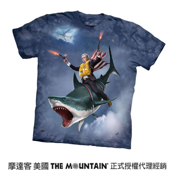 【摩達客】(預購)美國進口The Mountain 救援鯊魚 純棉環保短袖T恤(10416045096a)