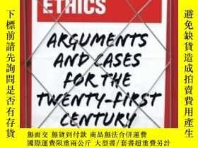 二手書博民逛書店Journalism罕見Ethics: Arguments An