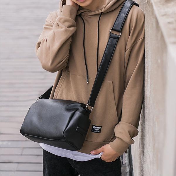【5折超值價】潮流原創簡約設計款百搭商務休閒側背包
