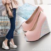 春夏新品涼鞋女坡跟高跟鞋優雅氣質性感魚嘴鞋淑女淺口鞋百搭艾美時尚衣櫥