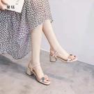 涼鞋女2021夏天新款仙女風中跟粗跟時尚一字帶軟底舒適高跟鞋