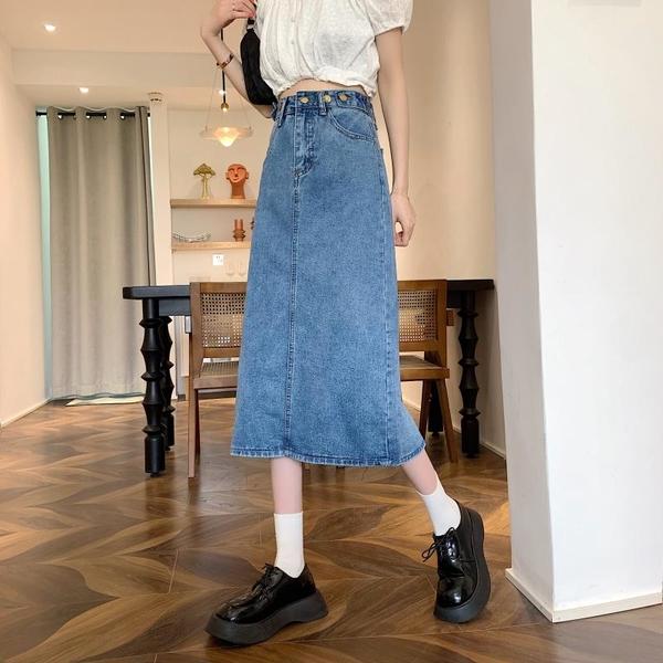 EASON SHOP(GQ2375)實拍水洗單寧後開衩多鈕釦裝飾收腰車線提臀A字牛仔裙女過膝長裙提臀中長款半身裙