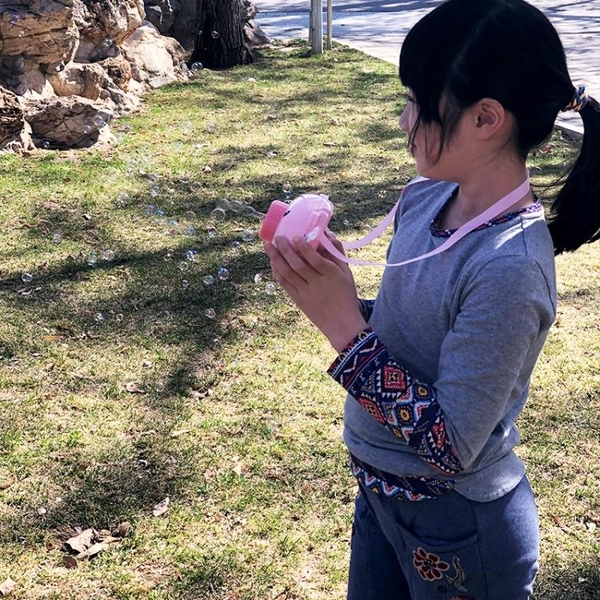 泡泡機全自動小豬相機泡泡機吹泡泡玩具泡泡槍兒童寶寶玩具公園戶外女神  伊蘿