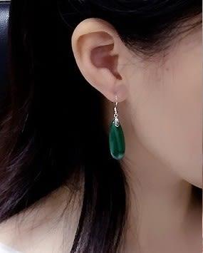 [協貿國際]天然孔雀石長水滴耳環925純銀耳勾單對價