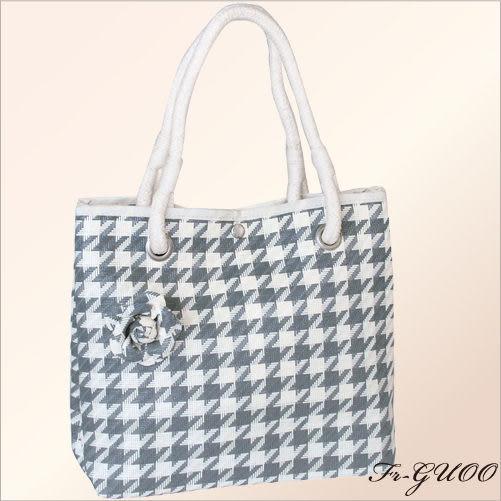 《家購網寢俱館》/法果輕時尚系列 – FRB506 編織菱格包(灰色)