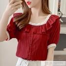2020夏季新款韓版氣質蕾絲花邊短袖上衣洋氣方領紅襯衫女復古港味  萬聖節狂歡