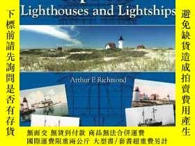 二手書博民逛書店Cape罕見Cod Lighthouses and Lights