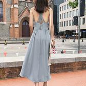 VK精品服飾 韓國風小心機交叉露背長款吊帶無袖洋裝