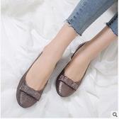 新款英倫花朵圓頭大碼鞋子 舒適休閒平底鞋【多多鞋包店】z7327