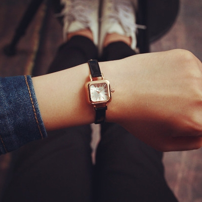 [現貨] 韓國復古漆皮秀氣小方錶 情侶錶 學生錶