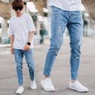 牛仔褲 褲腳抽鬚不修邊小刷破合身彈性牛仔...