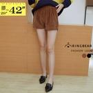 寬褲--瑰麗氣質線條燈蕊絨前後口袋寬版鬆緊褲頭短褲(黑.咖L-6L)-R204眼圈熊中大尺碼◎