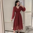 VK精品服飾 韓系優雅雪紡波點裙氣質V領收腰顯瘦長袖洋裝
