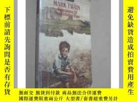 二手書博民逛書店MARK罕見TWAIN ADVENTURES OF HUCKLE