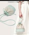 【2wenty6ix】新加坡正品 CHARLES&KEITH 時尚質感皮革 抽繩水桶斜背包