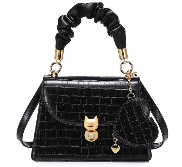 手提包 輕奢感愛心零錢包吊飾貓咪鎖凱莉包 3色-La Poupee樂芙比質感包飾 (預購+好禮)
