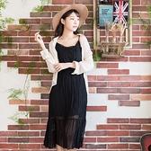 連身裙--兩件式舒適優雅細肩帶修身壓紋雪紡花邊V領細肩帶無袖洋裝(黑.粉M-3L)-D520眼圈熊中大尺碼