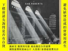 二手書博民逛書店Grand罕見Central: How a Train StationY19139 Sam Roberts G