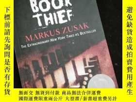 二手書博民逛書店THE罕見BOOK THIEF by markus zusakY16149