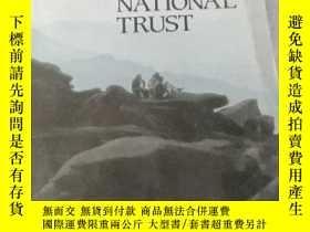 二手書博民逛書店Properties罕見of THE NATIONAL TRUSTY21714 出版1983