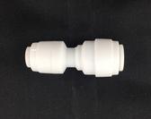 2.5分 安麗適用,非原廠,塑膠接頭與醫療機台配管接頭,2分管接2.5分管,120元1個