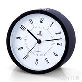 床頭靜音鬧鐘學生臥室簡約兒童創意電子鬧鐘 QW8471【衣好月圓】