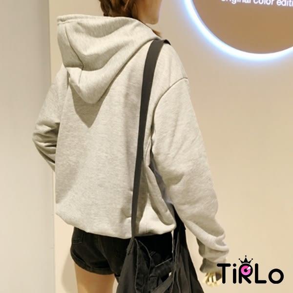 帽T-Tirlo-淺灰七彩字體側邊車線設計連帽長T-單一(現+追加預計5-7工作天出貨)