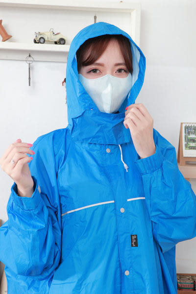 【雨晴牌-超立體3D口罩】◎成人-藍色◎(A級高效能)一盒50片 不起毛屑 透氣舒適無異味 防潑水佳