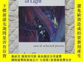 二手書博民逛書店The罕見Angles of Light: New and Selected Poems 英文原版 收3塊運費