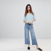【南紡購物中心】《D Fina 時尚女裝》 性感V領 淺藍百搭款短袖T恤