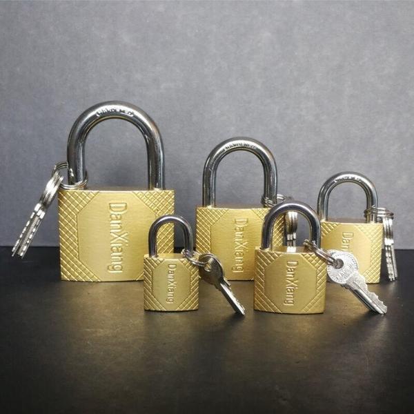 【GC230】銅鎖 32 鋼索銅鎖 銅掛鎖 行李箱鑰匙鎖 附鑰匙 鎖頭 門鎖 行李鎖 EZGO商城