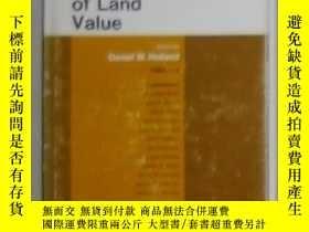 二手書博民逛書店英文原版罕見The Assessment Of Land Val