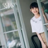 Queen Shop【01037219】葉子刺繡圖案造型圓領短T 兩色售*預購*