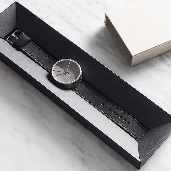 22 水泥錶 四度空間水泥表都會款 黑色皮帶錶 42mm 藍寶石水晶玻璃鏡面 公司貨 | 名人鐘錶