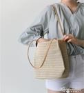 韓國百搭女包休閒草編織側背水桶包ins新款百搭手提女包 黛尼時尚精品
