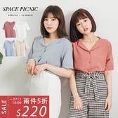 短袖 襯衫 Space Picnic|現+預.小V領翻折領排釦短袖襯衫【C18041086】