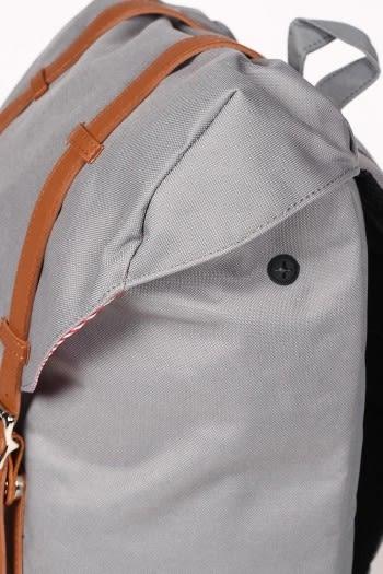 Hsin 78折 現貨 Herschel Retreat 大型 灰色 皮革帶子 磁扣 束口 手機 厚筆電層 耳機孔 後背包 書包